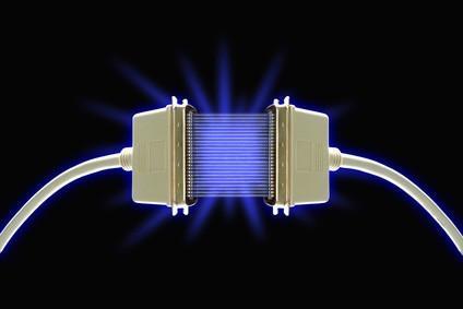 Comment envoyer ou transfert d'un ordinateur à l'aide de câbles port série ou parallèle