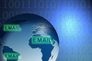 Comment puis-je envoyer un Plain Text Email?