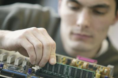 Comment remplacer une carte graphique dans un Dell Latitude D630