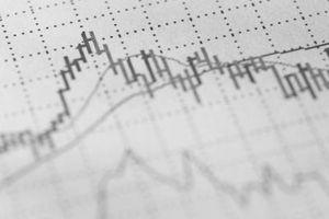 Comment combiner différents types de graphique dans un graphique simple Excel