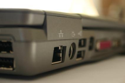 Comment connecter un modem câble à un routeur Adsl