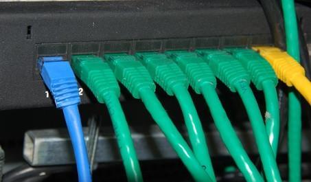 Comment masquer un câble Ethernet