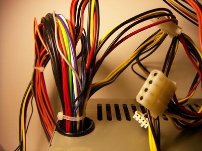 Quel fil est qui sur une puissance de connexion CD-ROM?