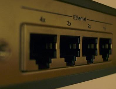 Comment connecter deux ordinateurs portables Utilisation d'un câble CAT 5e UTP